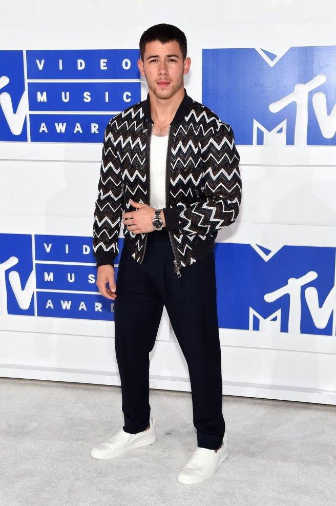 nick-jonas-mtv-vmas-2016