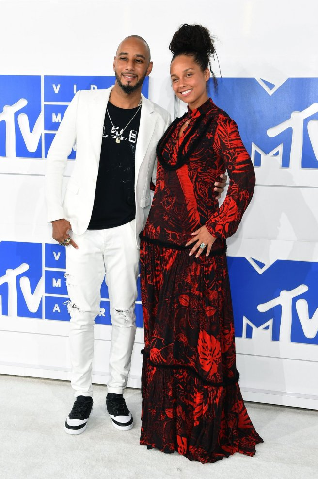 swizz-beatz-alicia-keys-mtv-vmas-2016
